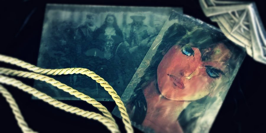 Glass Photo Plate Art Hack Inspired by 'Wonder Woman'